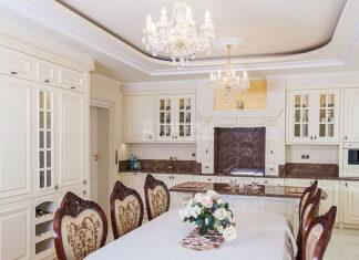 Salon z aneksem kuchennym stworzony z projektantem wnętrz